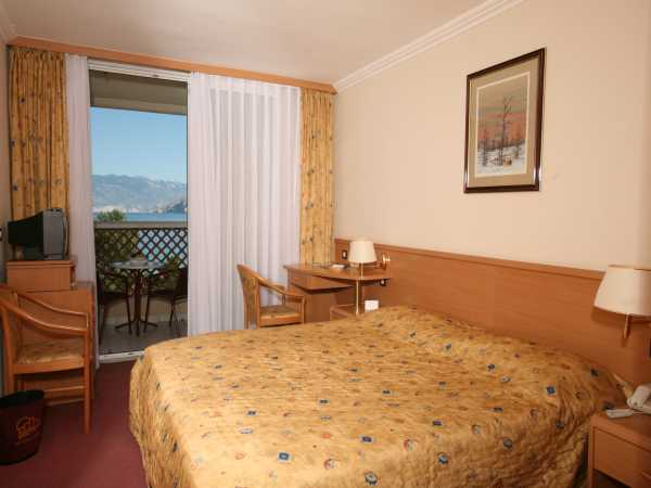 Double room classic park side with half board