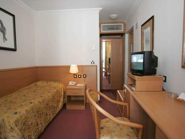 Single room park side - classic - halfboard