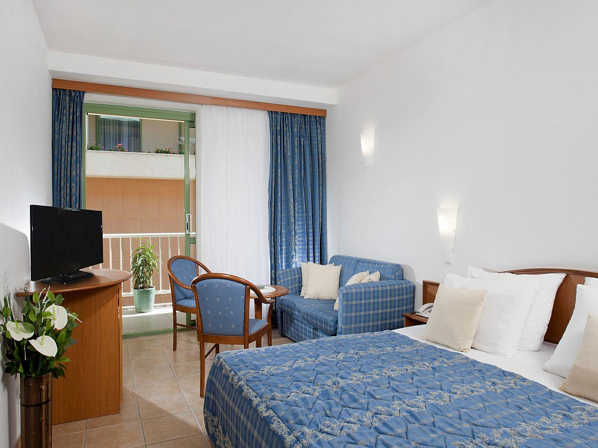 Double standard room with half board