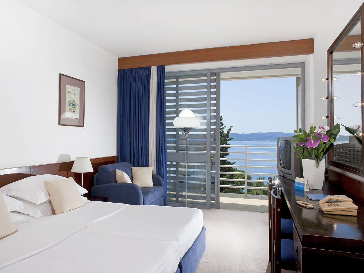 Double room sea side with half board - Superior
