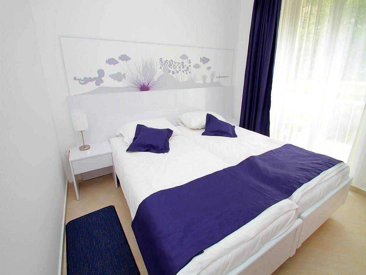 Double room economy park side - bed and breakfast