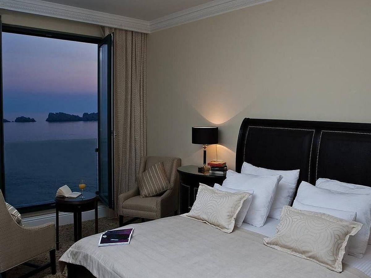 Deluxe suite sea view (5 persons)