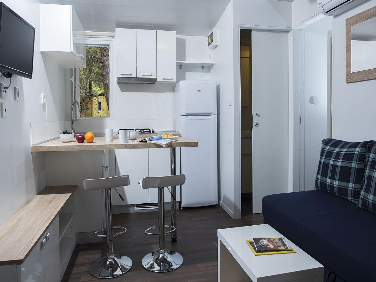 Mobile home for 4+2 people  (32M2)