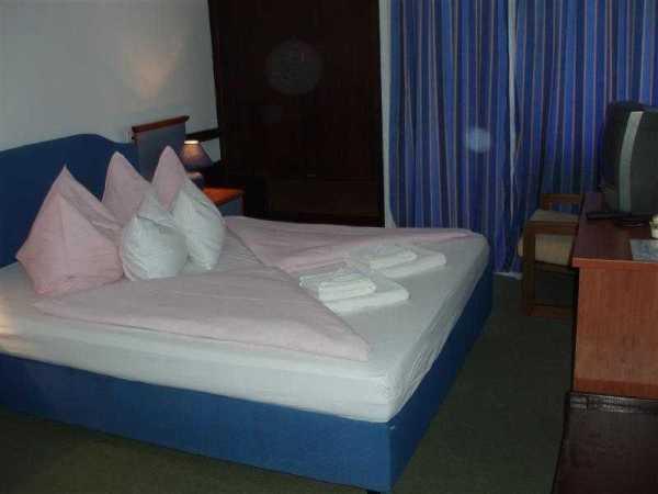 Double room comfort sea side with balcony BB