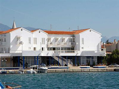 Hotel  LOŽA -  Novalja (Pag)