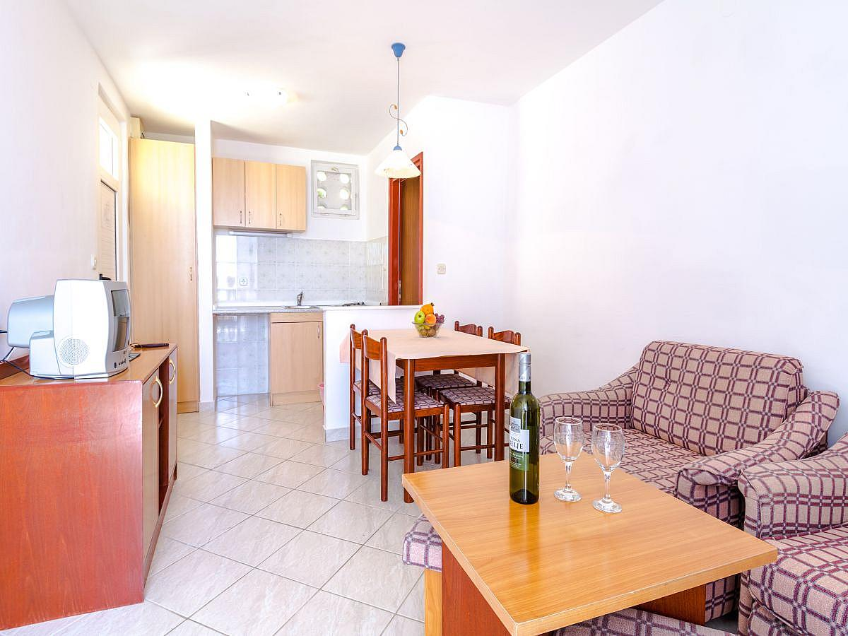 Apartment for 2 person with 2 extra beds, all inclusive