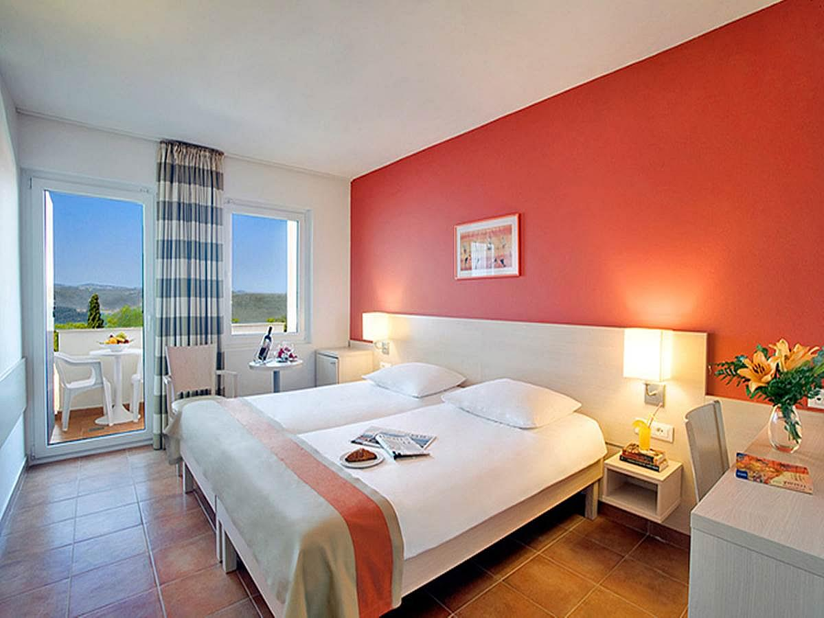 Double room superior sea side with balcony, light all inclusive