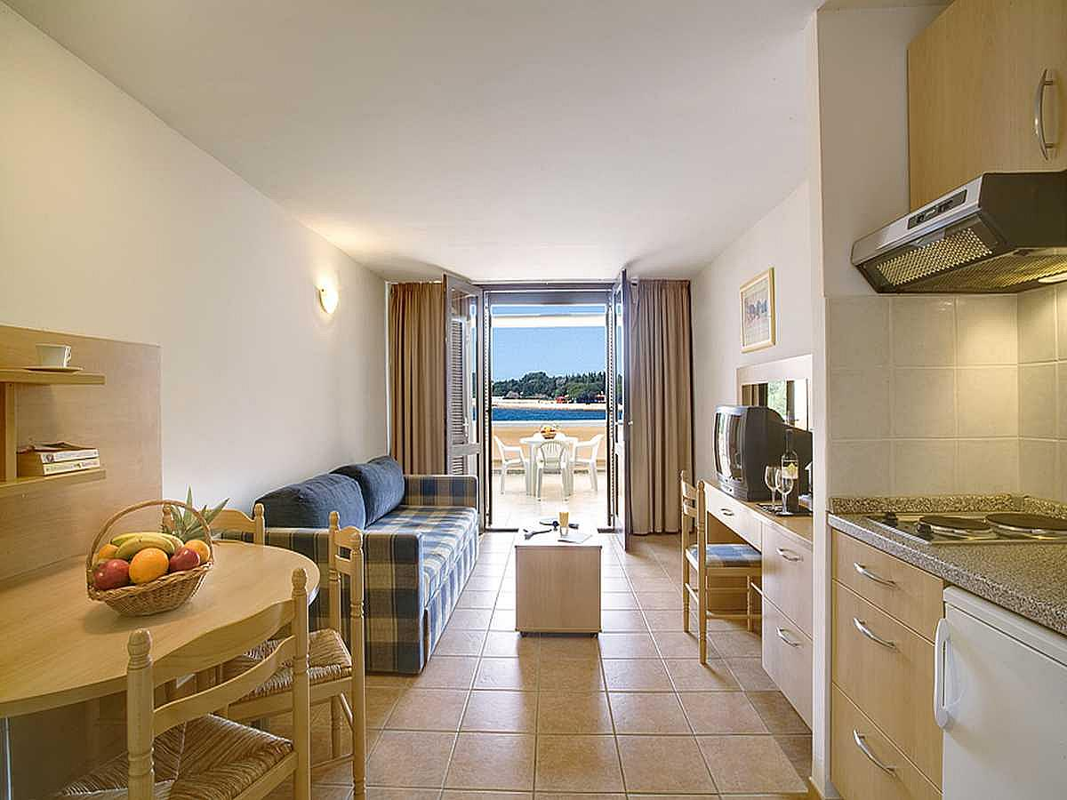 Apartment for 3 people sea side with balcony