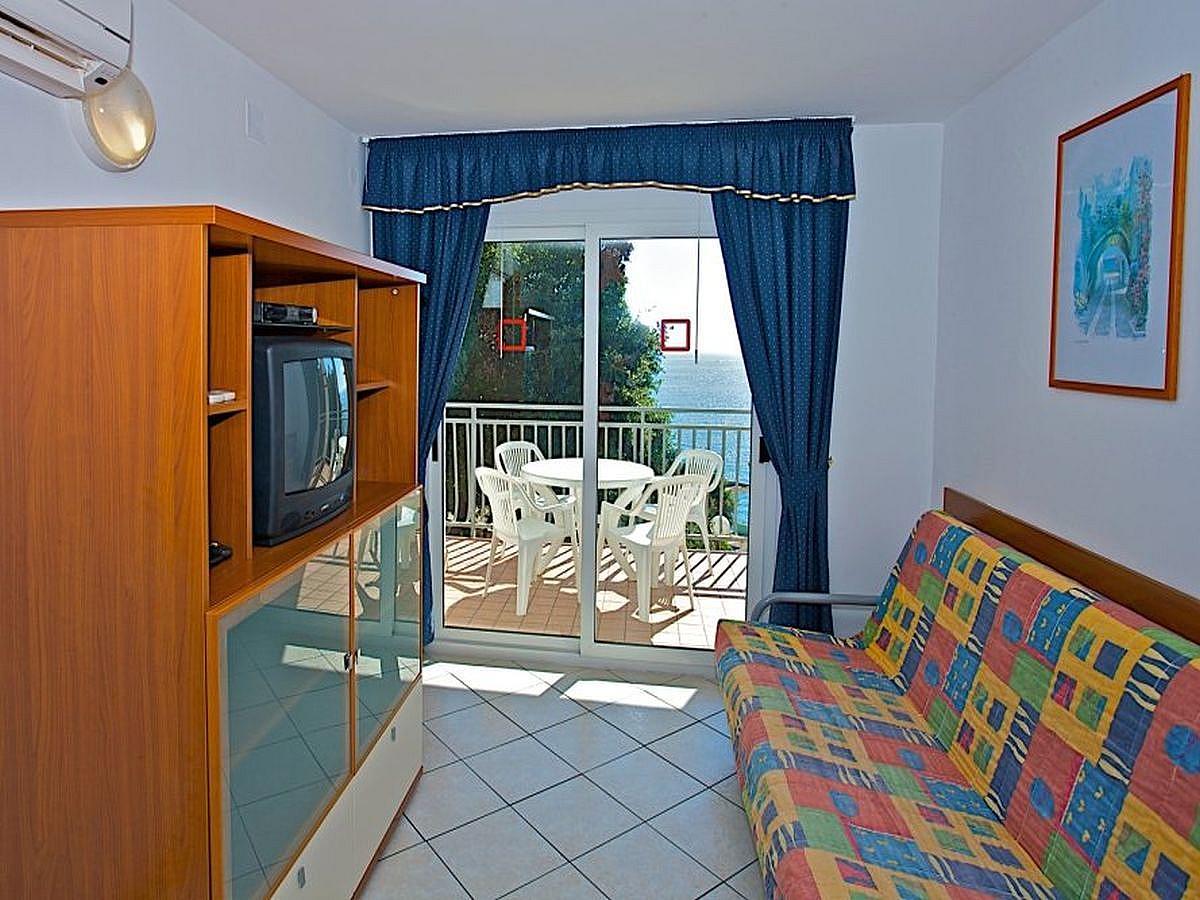 Apartment 2-4 people, sea side