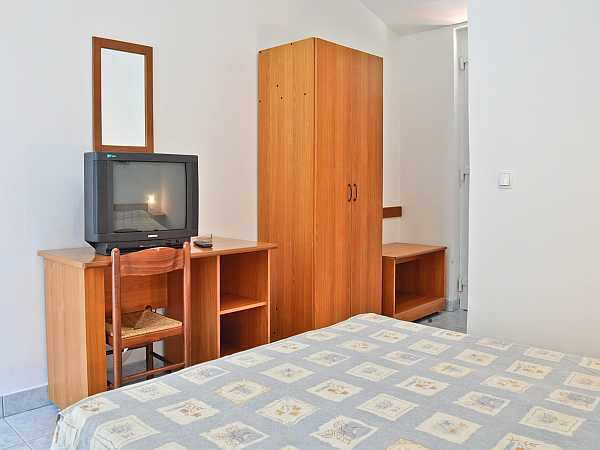 Bungalow for 2 people, standard, with half board