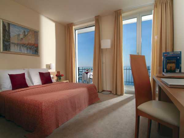 Single room superior sea view and breakfast