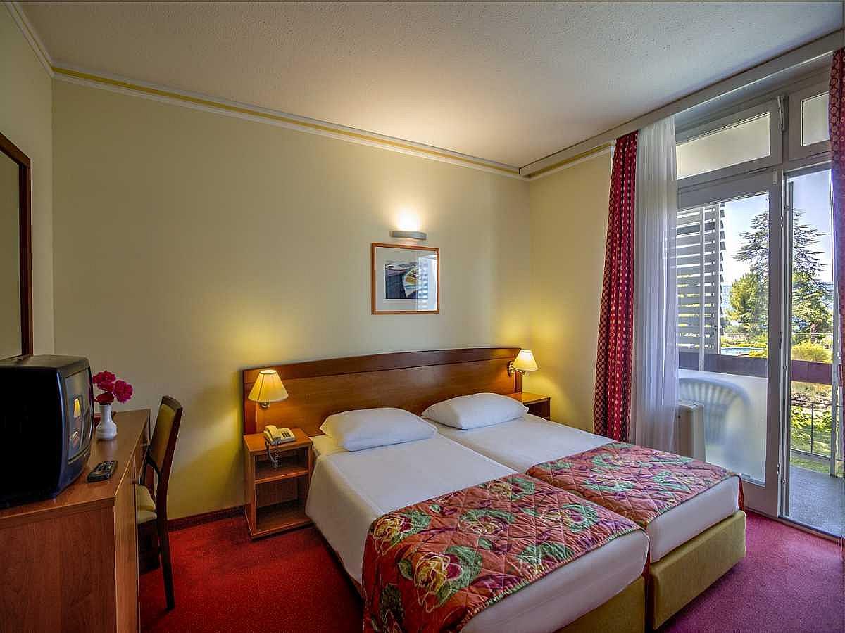 Hôtel beach hotel niko   Šibenik (dalmatie   Šibenik)   uniline ...