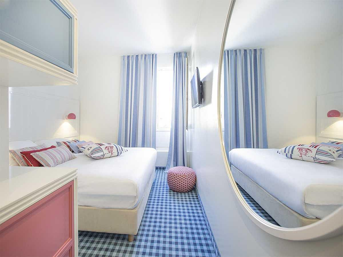 Double room with park view with half board