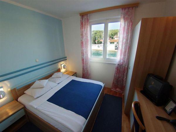 two double next door rooms with halfboard service