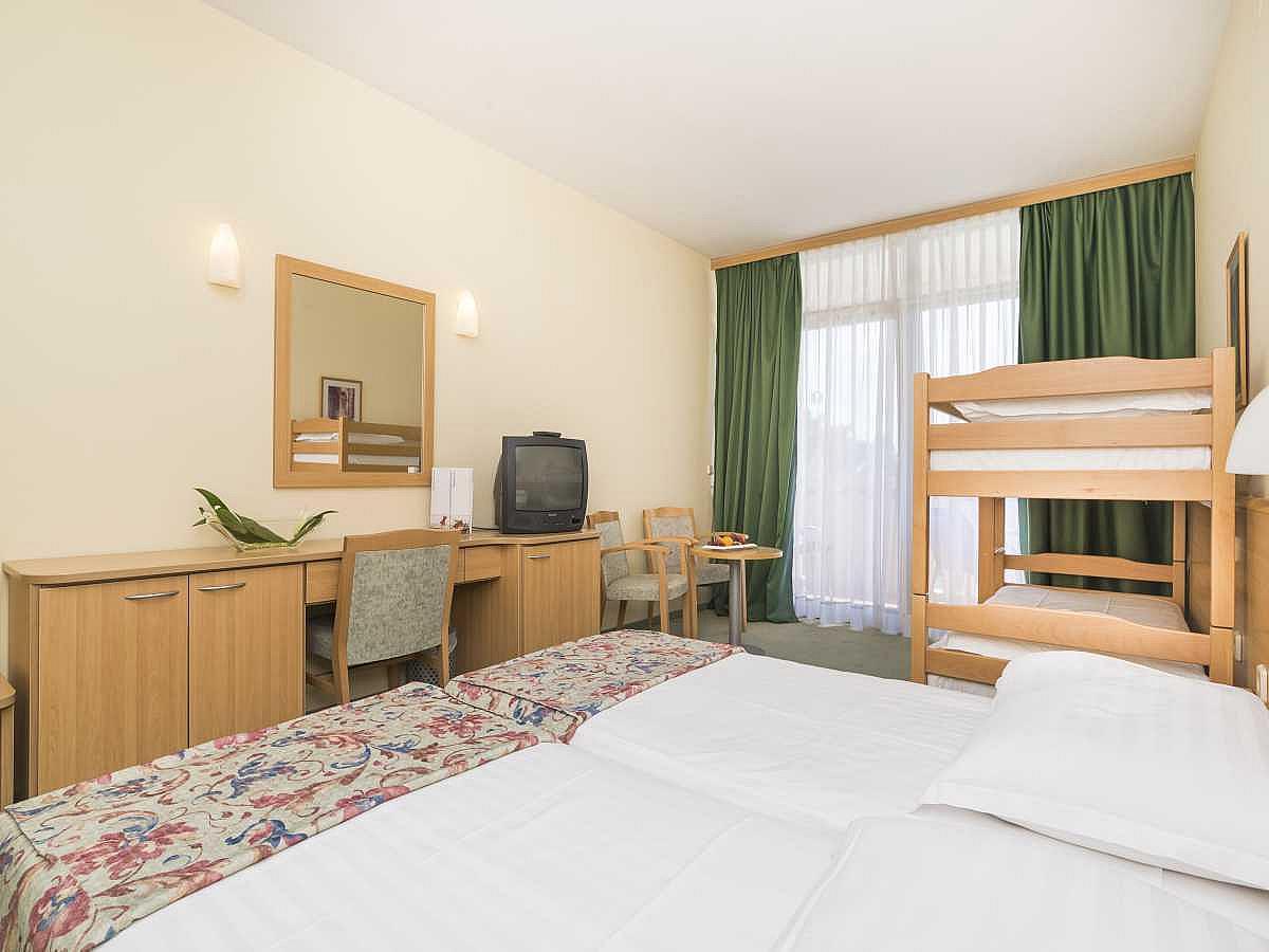 Doppelzimmer mit 2 Zusatzbetten, Meerseite und Balkon, all inclusive