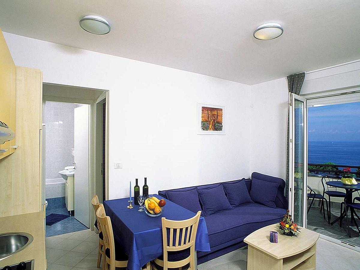 Apartment for 2 person with sofa for 2 people ****