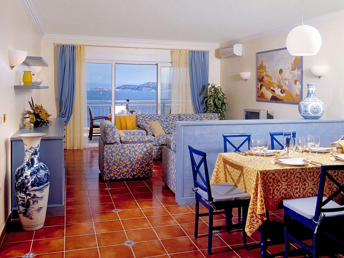 Apartment for 4 people and with sofa for 2 people ****,*****