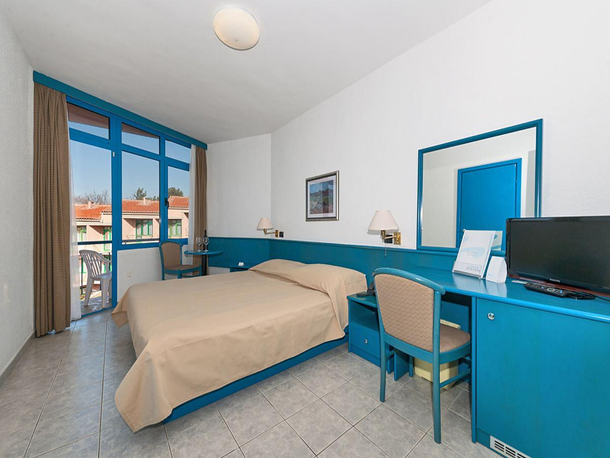Two double rooms with connecting door-all inclusive