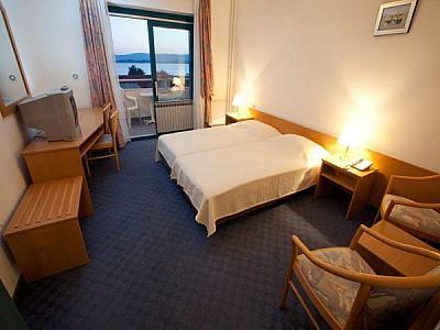 Hotel  ALBA -  Sv. Filip & Jakov (Biograd)