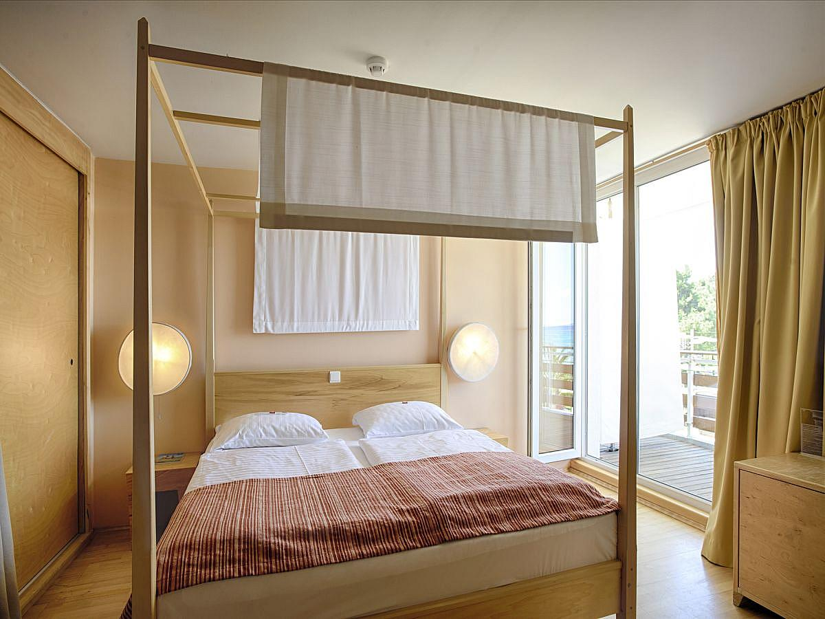Double room + 3 help beds,family suite all inclusive
